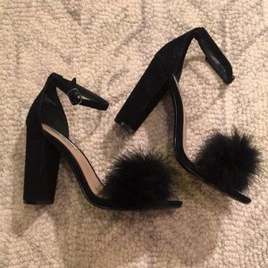 Steve Madden Carabu Feather Block Heels Size 8.5